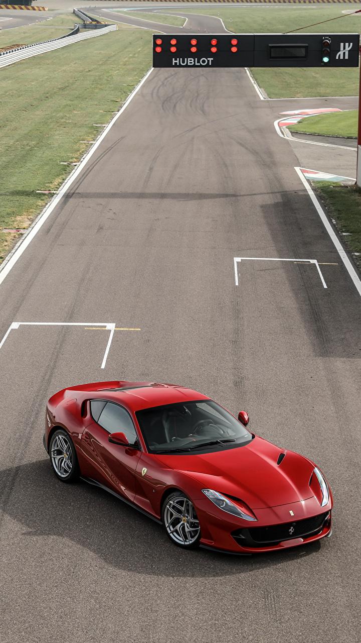Ferrari 2017 812 Superfast Red From above 535646 720x1280 - Fondos de pantalla de Ferrari