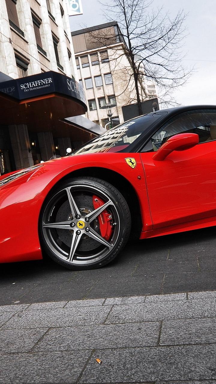 red parking ferrari 458 italia ferrari street 87179 720x1280 - Fondos de pantalla de Ferrari