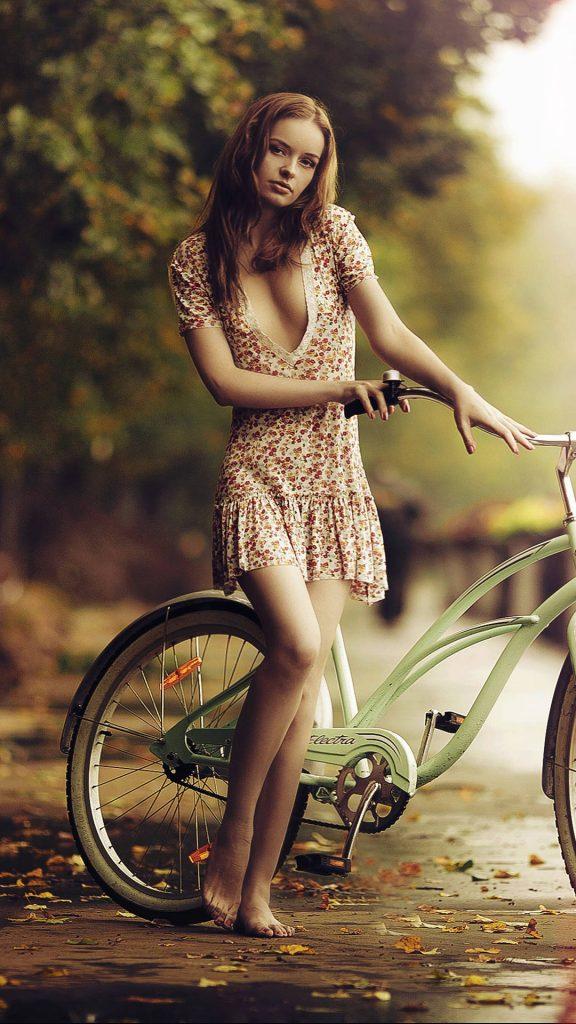 girl bicycle 4k 36 1080x1920 1 576x1024 - 27 Fondos de Pantalla en alta definicion para tu celular