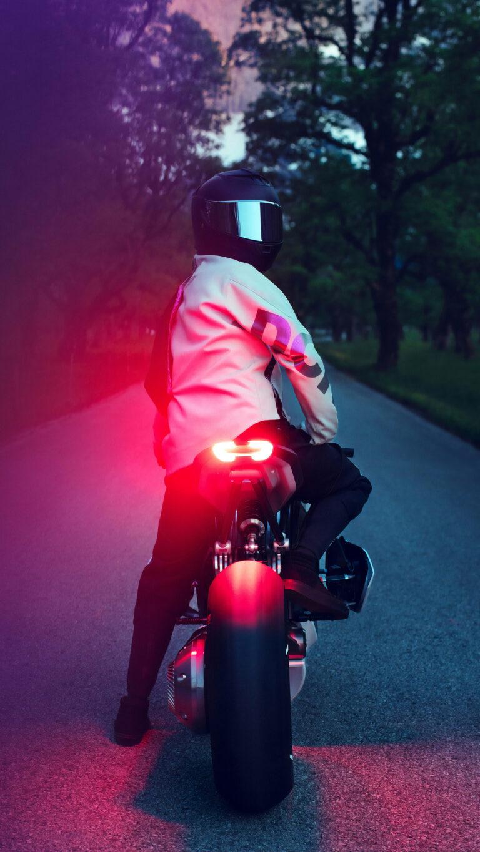 bmw vision dc roadster rider 5p 1080x1920 1 768x1365 - Los Mejores Fondos de Pantalla de Motocicletas