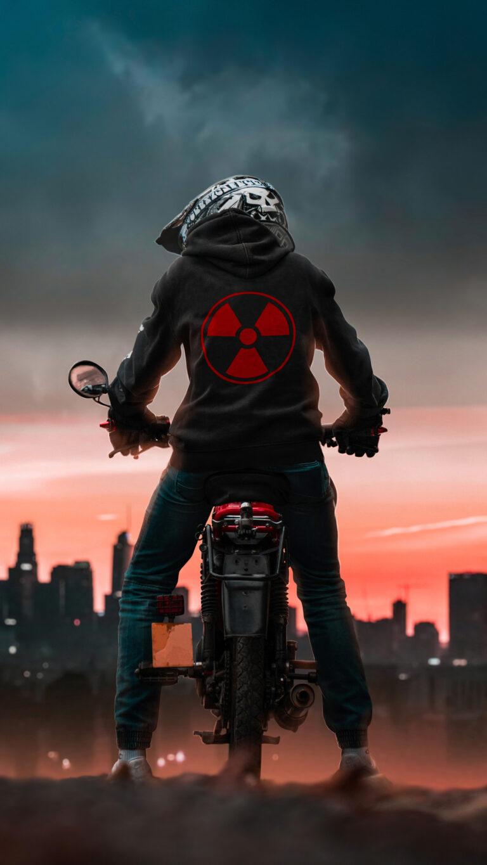 radio active biker 4k c0 1080x1920 1 768x1365 - Los Mejores Fondos de Pantalla de Motocicletas