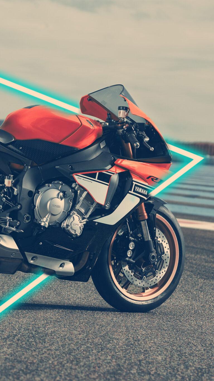yamaha r1 akrapovic exhaust 4k ae 1080x1920 1 768x1365 - Los Mejores Fondos de Pantalla de Motocicletas