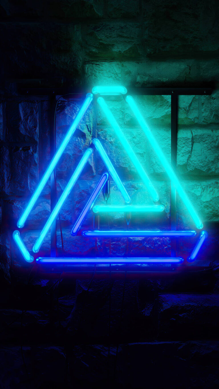 triangle neon glowing 4k hf 1080x1920 1 768x1365 - 25 Fondos de Pantalla Neón que harán ver tu pantalla increible